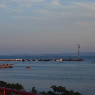 Пристанище е само на няколко минути пеша и реновираният  кей е в непосредствена близост.