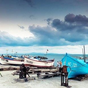 Пано сутрин тук можете да си купите от пресния  улов на рибарите.