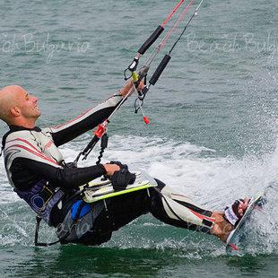 Кайтсерфинг или виндсерфинг, парусный спорт или рыбалка, здесь вы можете делать все это.